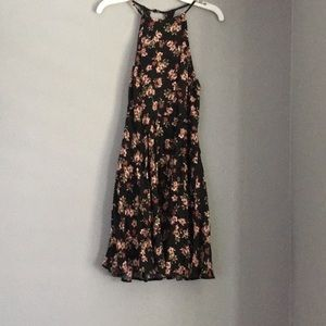 Sale 💥💥 Forever 21 Size Small Black Floral Dress